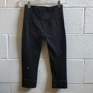 lululemon athletica Pants - Lululemon gray crop leggings sz 4 60693